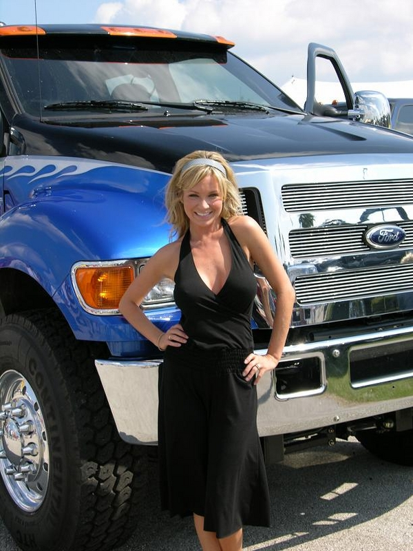 Ford Babes - Muscle Car Babes
