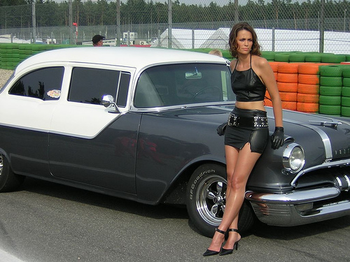 nude girls muscle cars